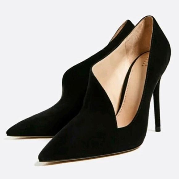 3a81a51baf1 ZARA Asymmetric Black Leather Heels EU 38. M 5c06c4cc409c15b66a5b8d7d
